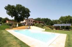 Casolare con piscina a Cartoceto